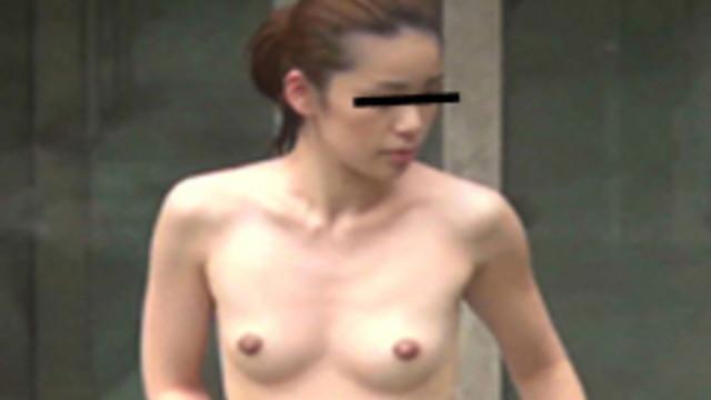 咲乱美女温泉-覗かれた露天風呂の真向裸体-ハイビジョン Vol.2
